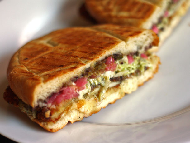 20140509-292458-we-eat-all-the-sandwiches-xoco-chicago-milanesa